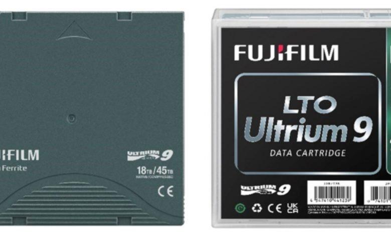Internal and external view of the Fujifilm LTO Ultrium 9 cartridge